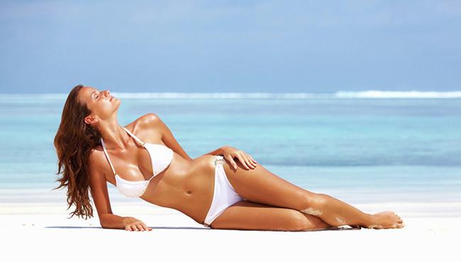 красивое тело на пляже